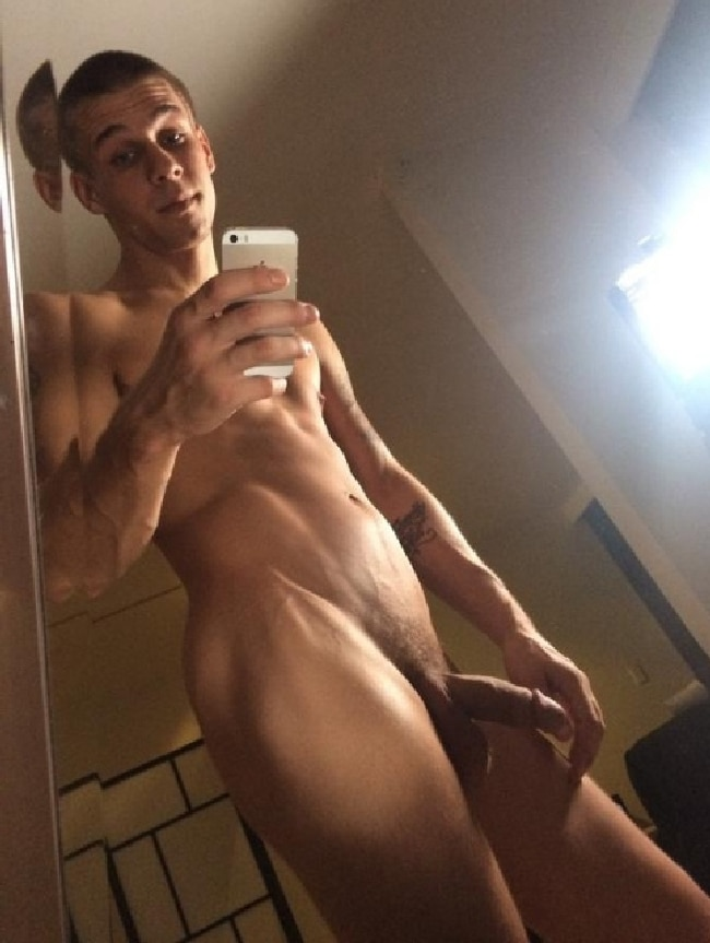 Fit Nude Guy With Semi Hard Cock - Nude Man Blog
