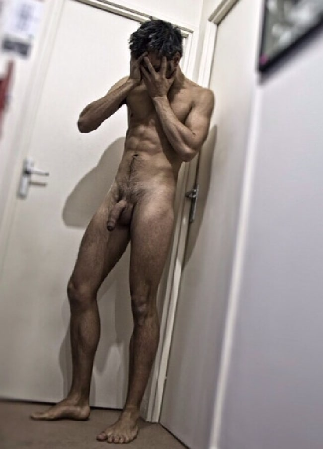 Nude well hung males